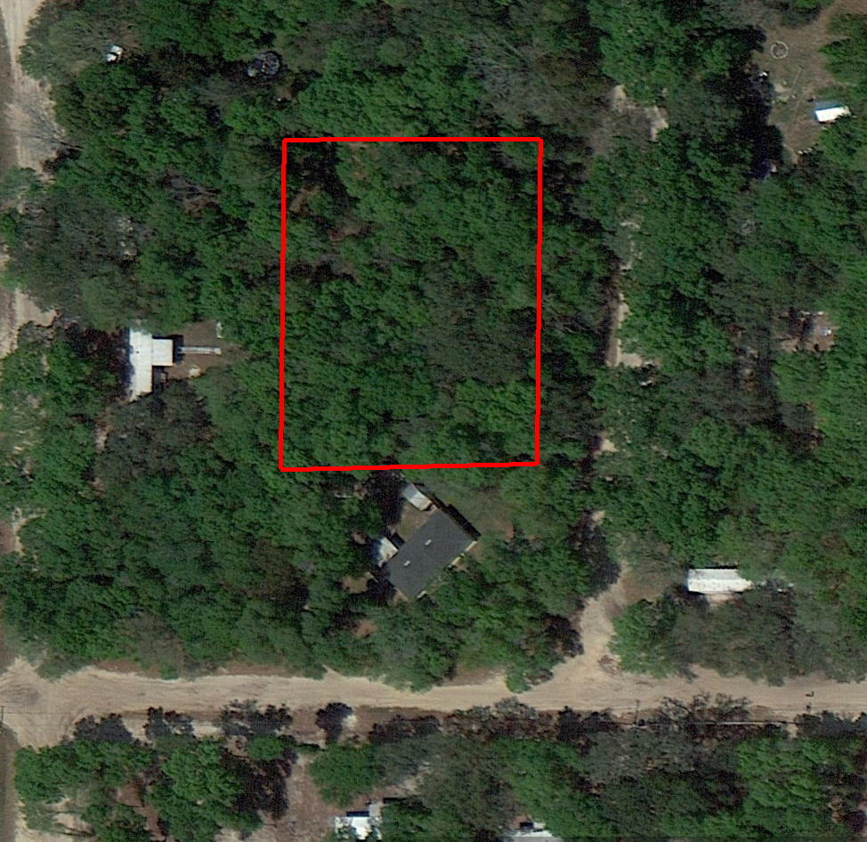 Large residential lot in great water recreation area - Image 1