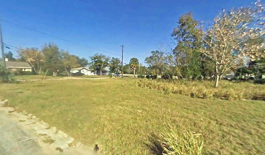 Corner Lot Located in Pristine Florida Neighborhood - Image 3