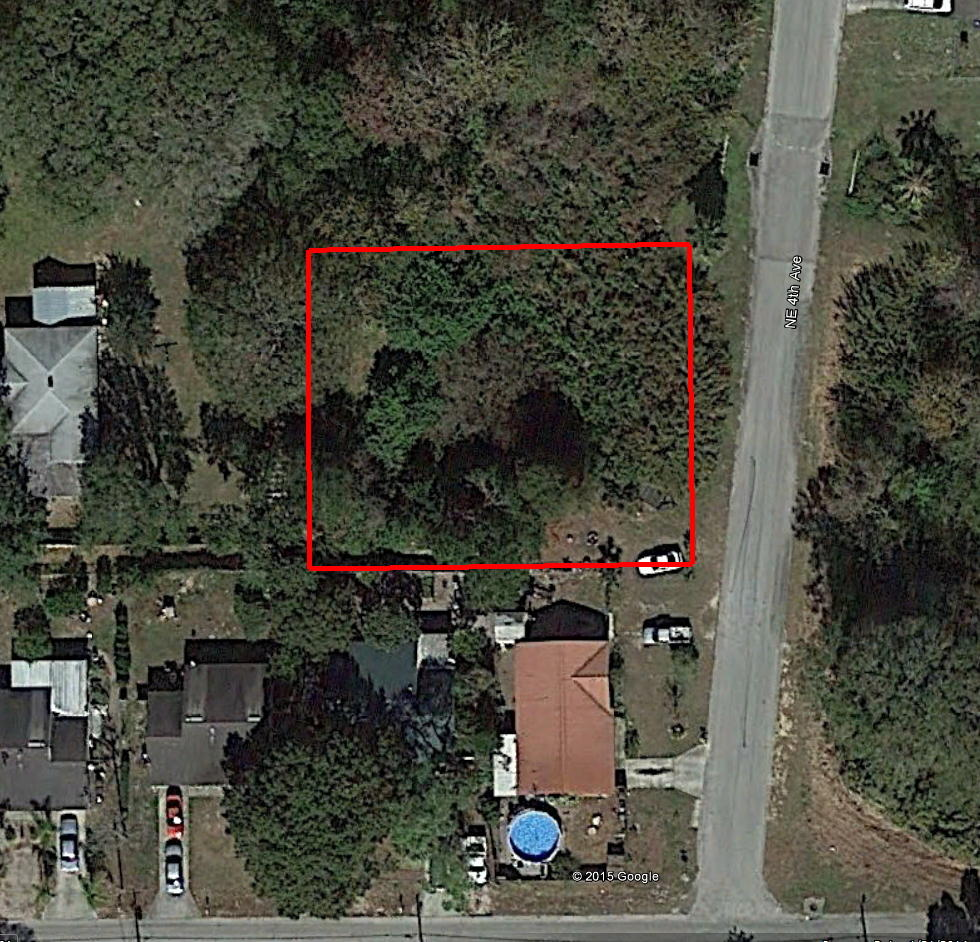 Property on NE 4th Ave in Beautiful Mulberry Florida - Image 1