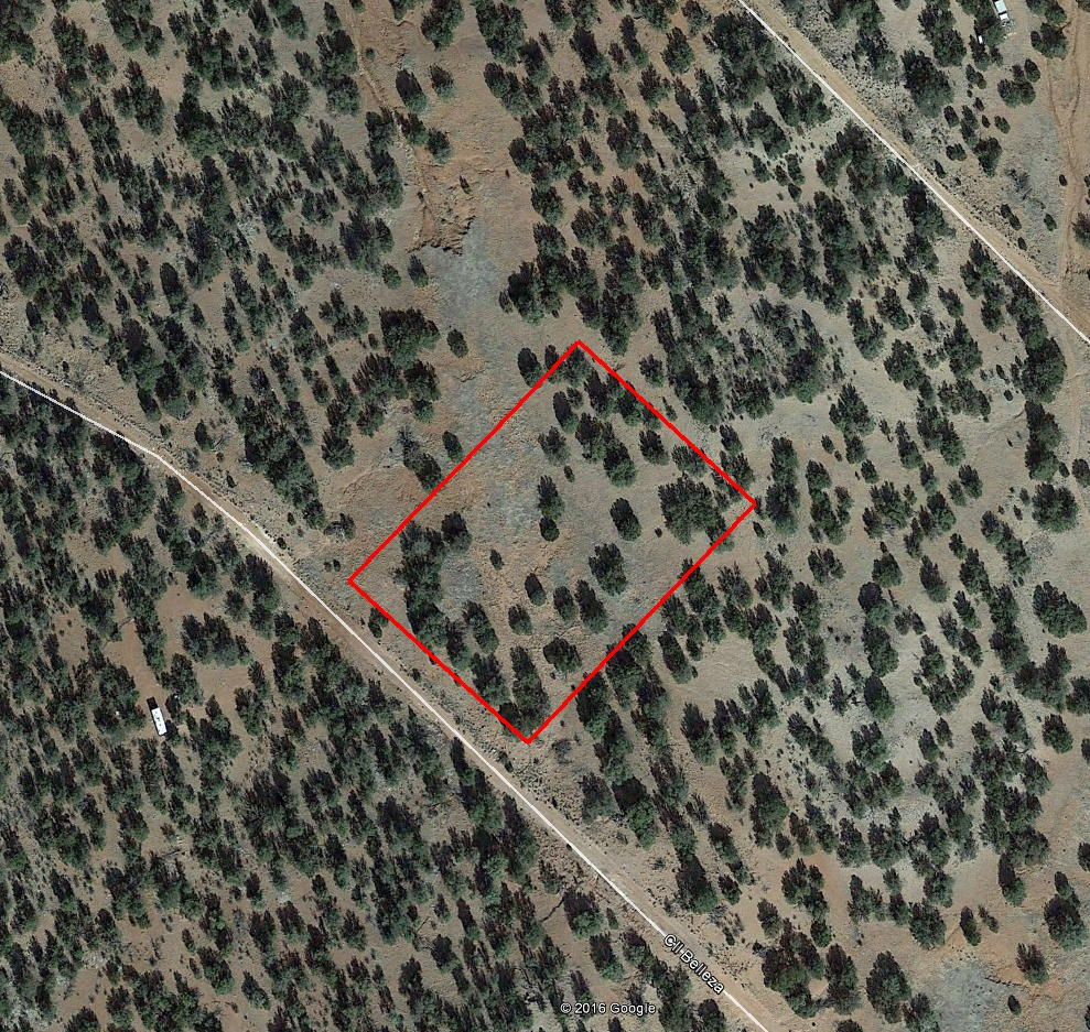 Nearly 2 Acres Off the Grid in Arizona - Image 2