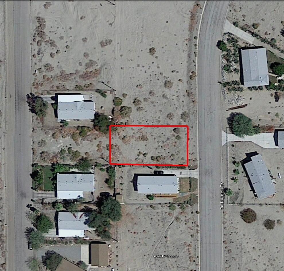 Residential Lot in Quiet Neighborhood - Image 1