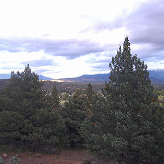 Lake Shastina Property With Picturesque Mountain Views - Image 0