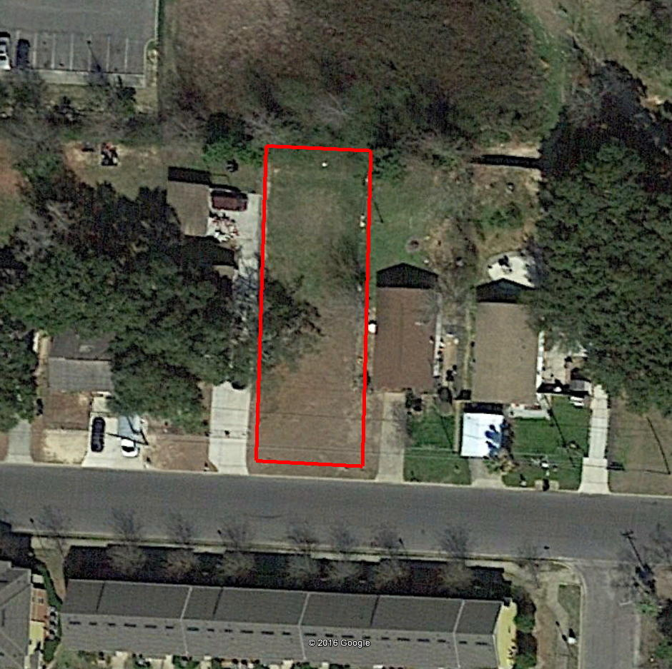Small Residential Lot in Well Established Neighborhood in Pensaco - Image 1