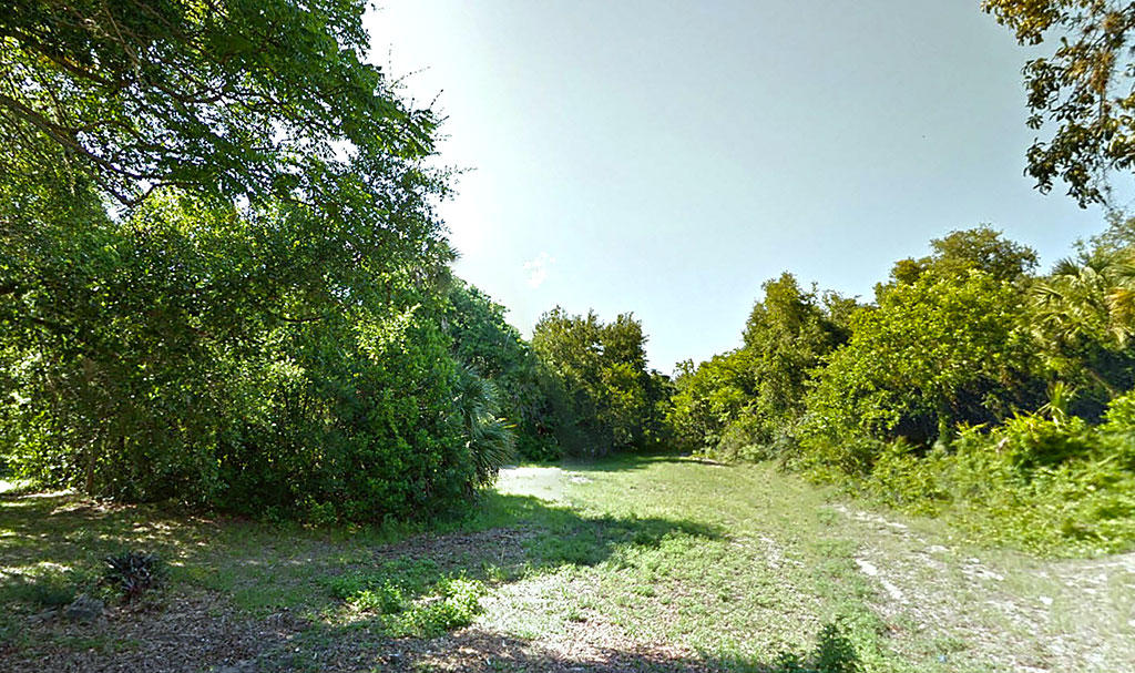 Small Lot in Titusville Less Than an Hour from Orlando - Image 2