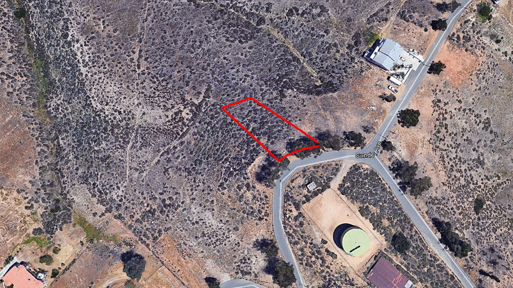 Desert Property With Fantastic Views Only Two Miles From the Lake - Image 1