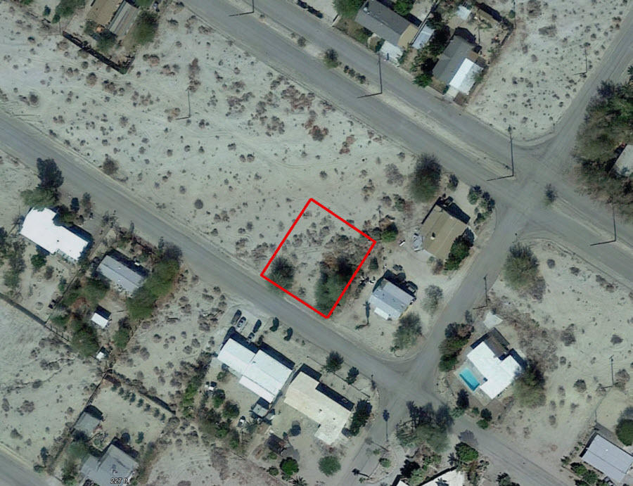 Residential Property Less Than a Mile From the Salton Sea - Image 1