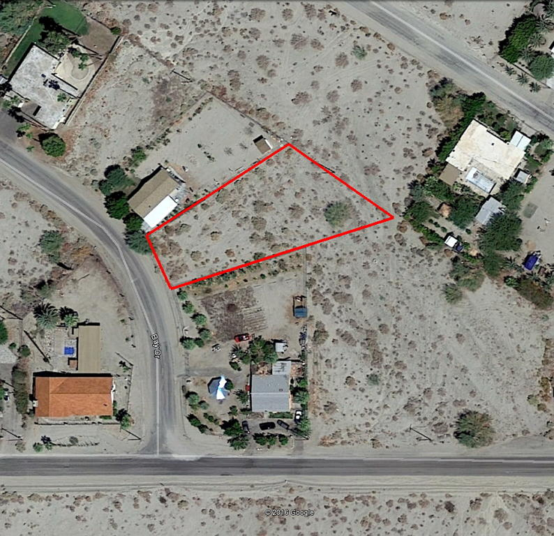Large Lot Homesite in Desert Oasis - Image 1