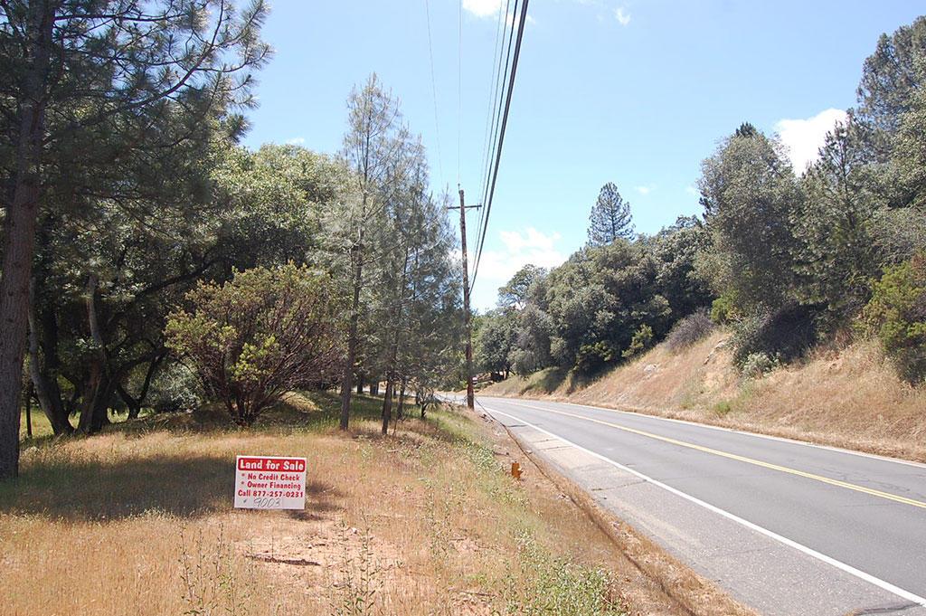 Large Lot in Friendly Community Near Yosemite National Park - Image 4