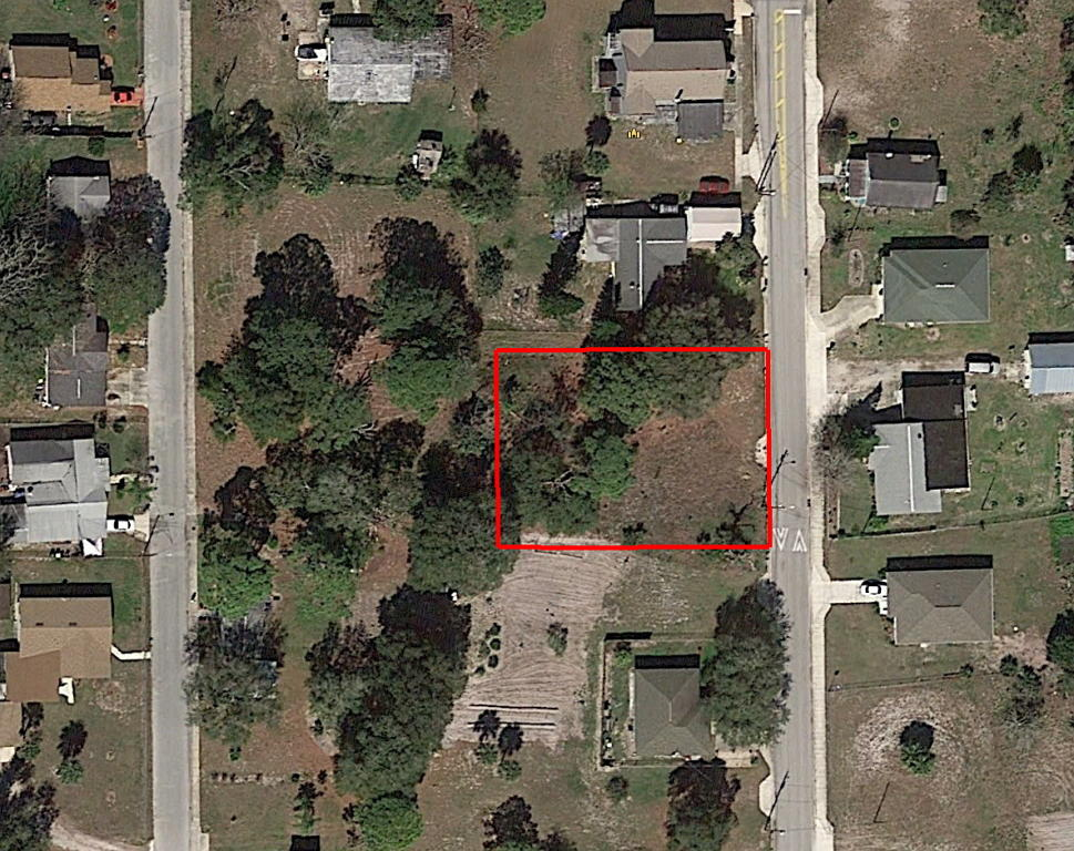 Large Lot in Quiet Neighborhood Less than 2 Miles from the Ocean - Image 2