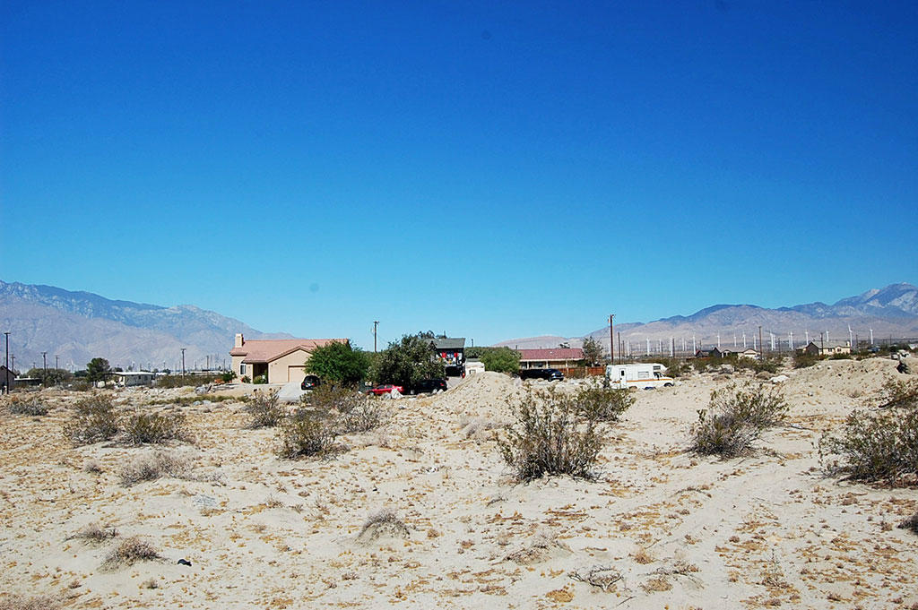 Quaint Lot in Desert Hot Springs with Beautiful Mountain Views - Image 3