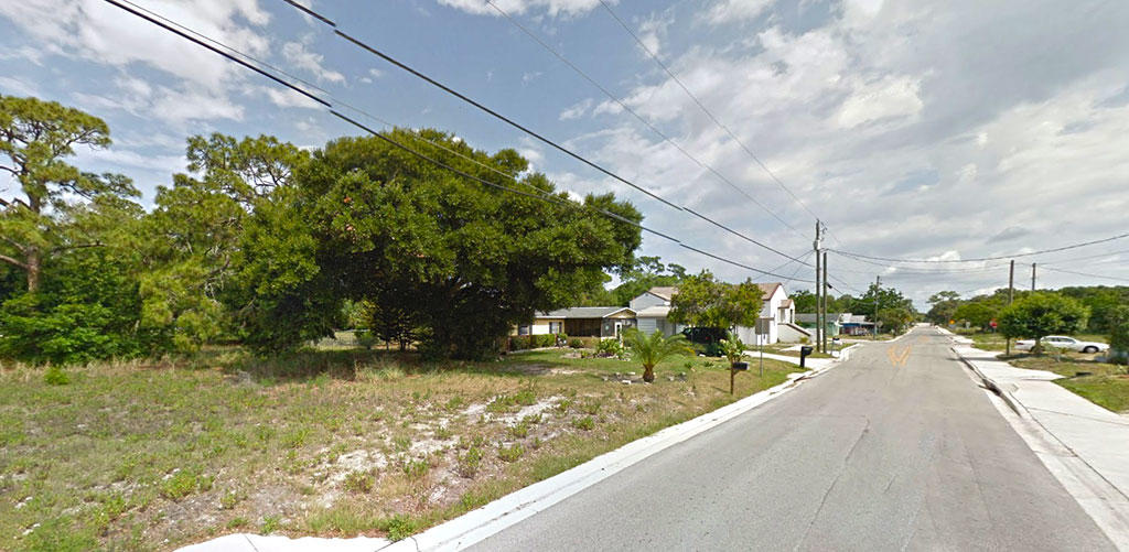 Large Lot in Quiet Neighborhood Less than 2 Miles from the Ocean - Image 5