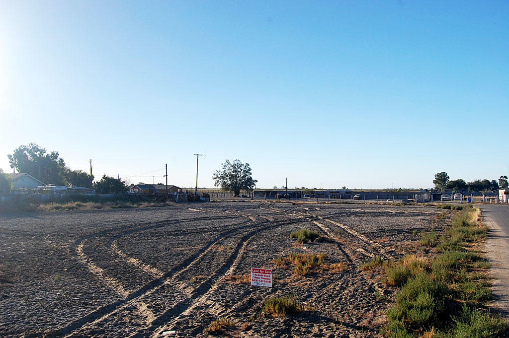 Flat California Homesite with Power Hookups - Image 3