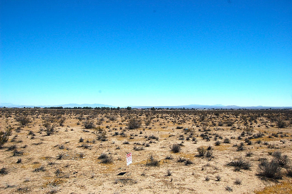Space to Spread Out on This Rural Kern County Property - Image 2