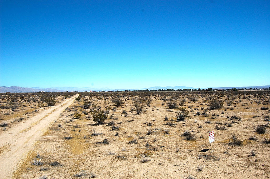 Space to Spread Out on This Rural Kern County Property - Image 4
