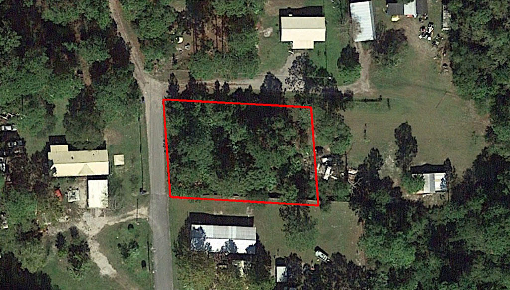 Residential Lot Five Miles From The Beach - Image 1