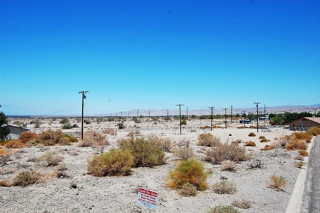 Residential Lot in Quiet Neighborhood - Image 2