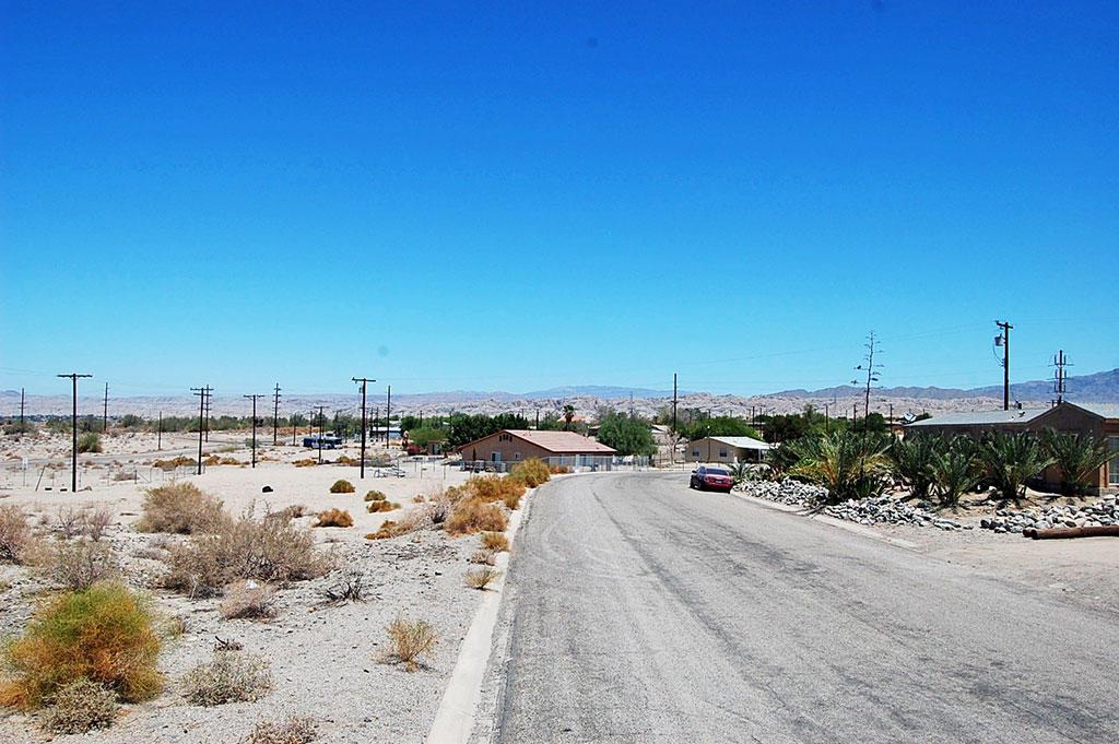 Residential Lot in Quiet Neighborhood - Image 3