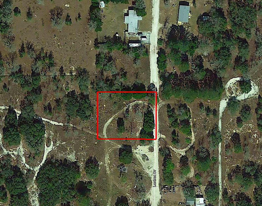 Large Residential Lot in Quiet Area Near Gulf Coast - Image 2