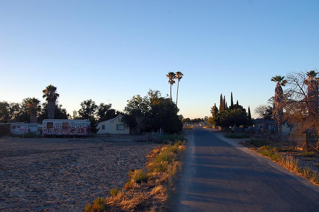 Large Corner Lot in Alpaugh California - Image 3