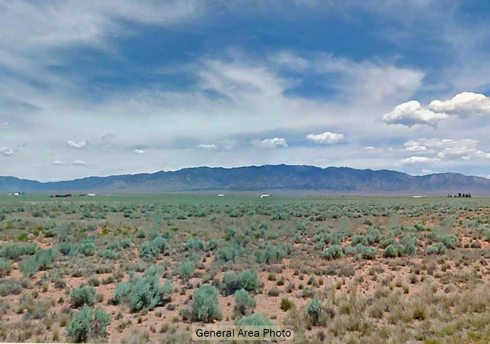 Nearly 1 Acre Getaway About 1 Hour from Albuquerque, Flat with Views - Image 4