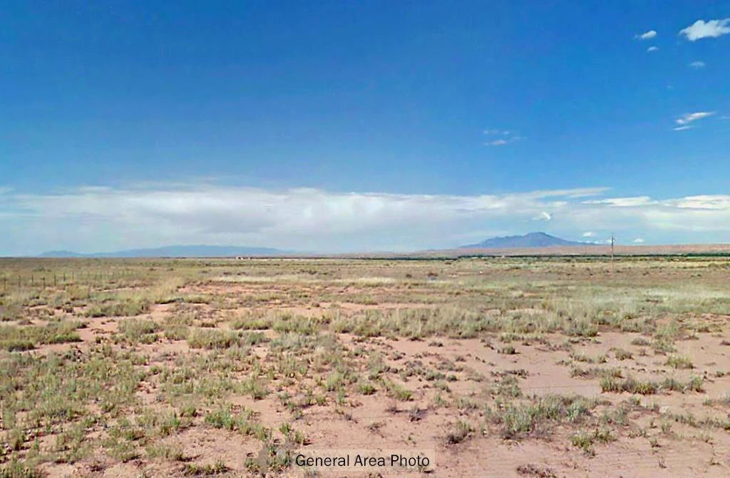 Private off-the-grid Homesite in rural New Mexico - Image 4
