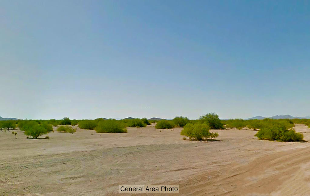 Flat Arizona lot close to many cities - Image 3