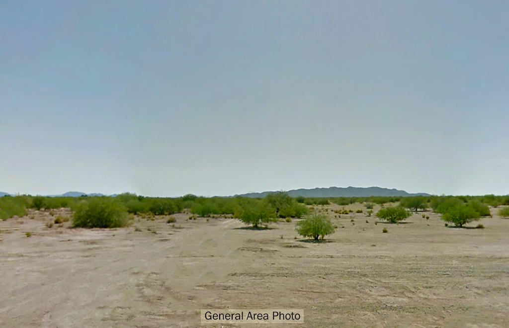 Flat Arizona lot close to many cities - Image 4