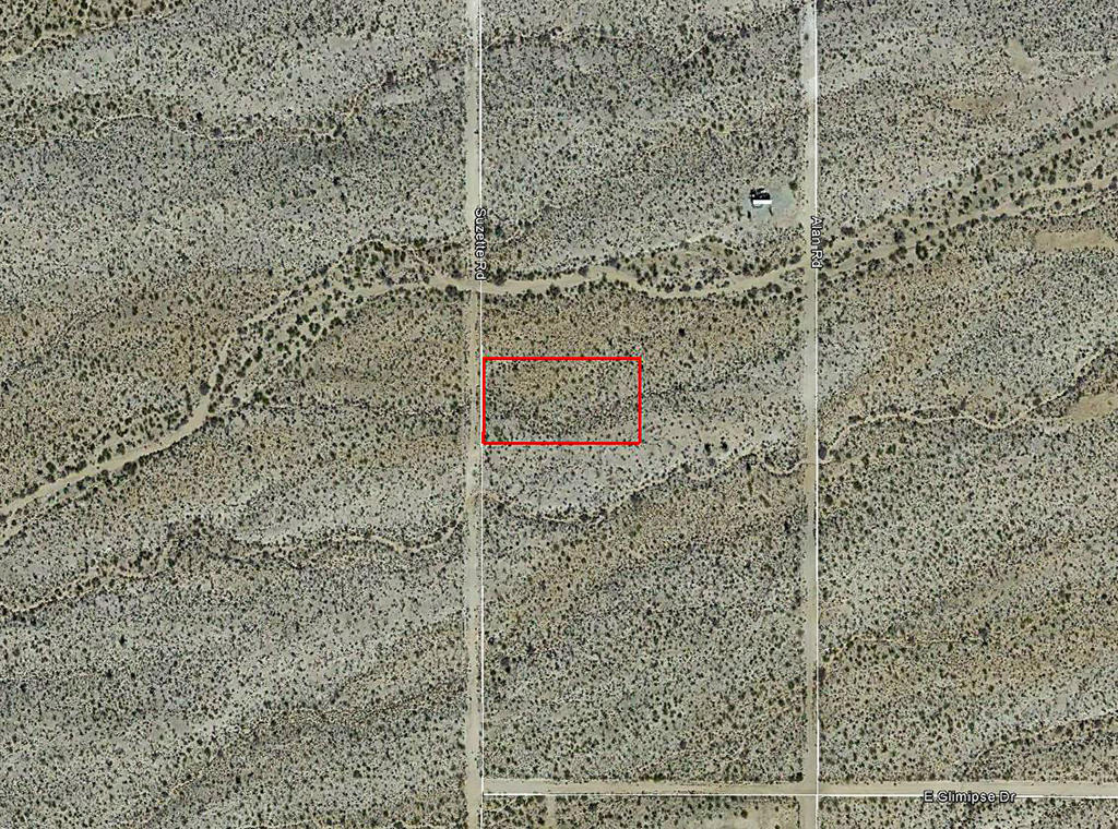 1+ Acre Desert Hideout Less than 10 Miles from Yucca - Image 1