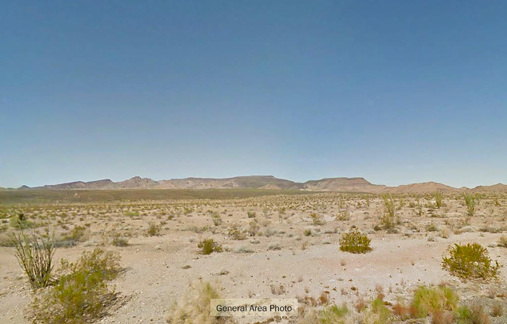1+ Acre Desert Hideout Less than 10 Miles from Yucca - Image 5