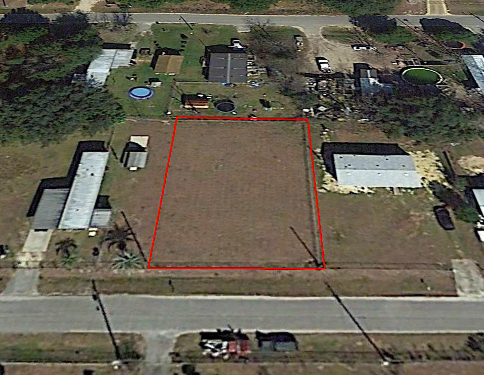 Residential Florida Property Near Lakes - Image 2