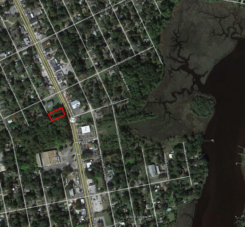 Property in Jacksonville Just Minutes from Ribault River - Image 2