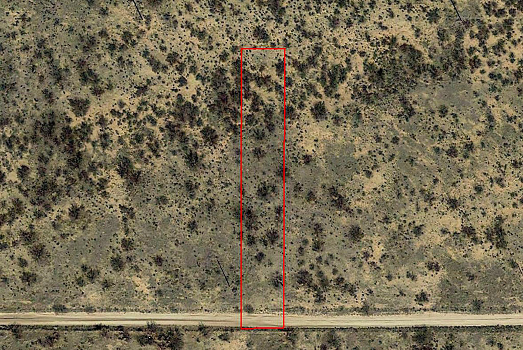 Rural Lot Surrounded by Farms 5 Miles South of Interstate 10 - Image 2
