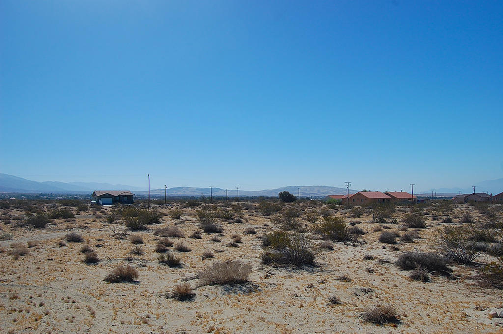 Quiet Escape in Desert Hot Springs - Image 5