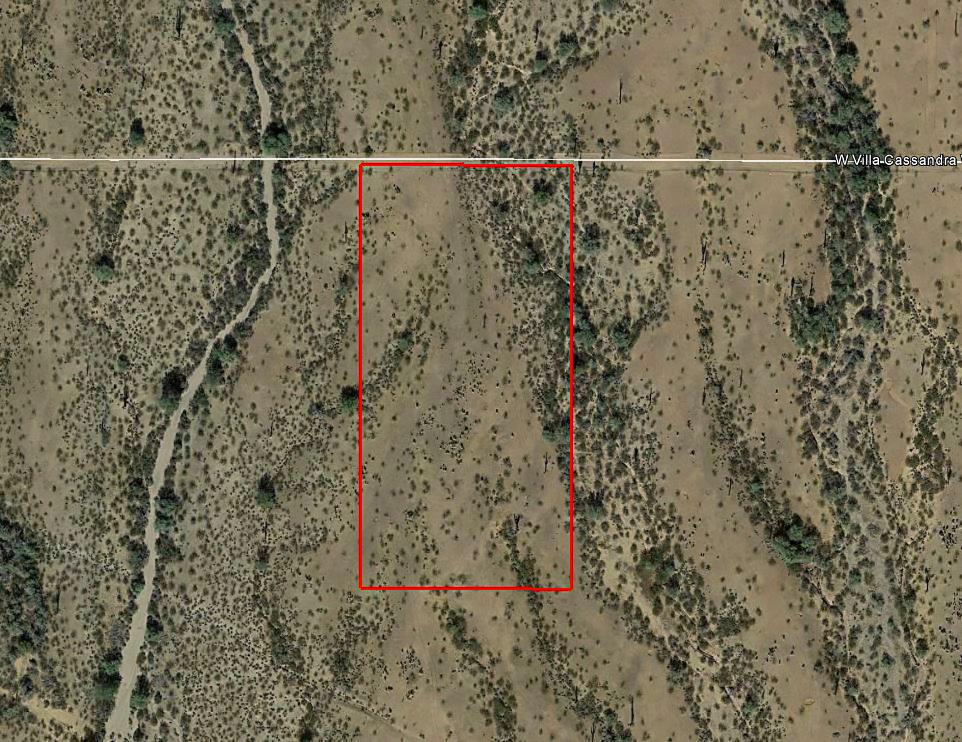 Four Plus Acres in Serene Desert Setting - Image 1