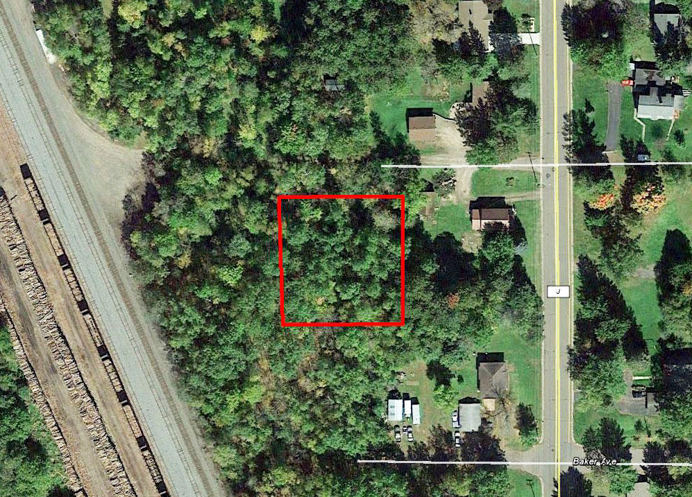 Half Acre town lot Near Ladysmith - Image 1