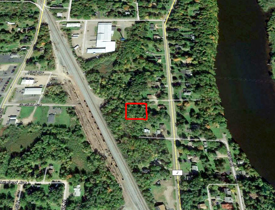 Half Acre town lot Near Ladysmith - Image 2