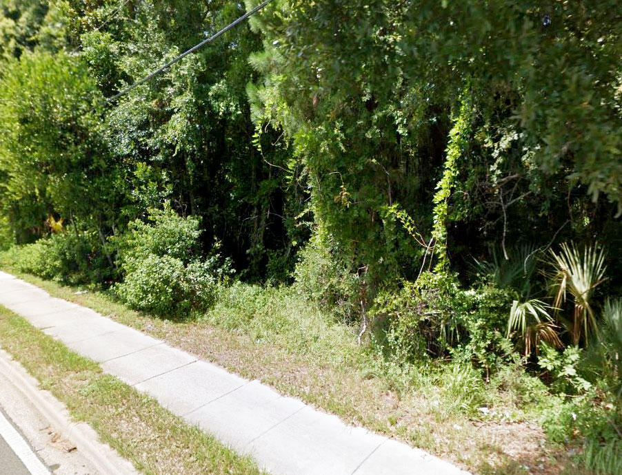 Property in Jacksonville Just Minutes from Ribault River - Image 3