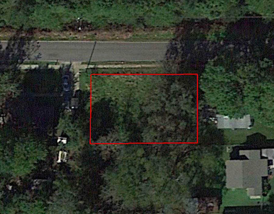 Nice Lot on W 1st Ave with Paved Road Access - Image 2