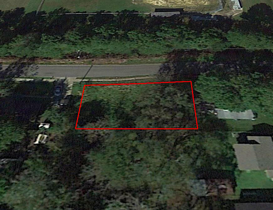Nice Lot on W 1st Ave with Paved Road Access - Image 3