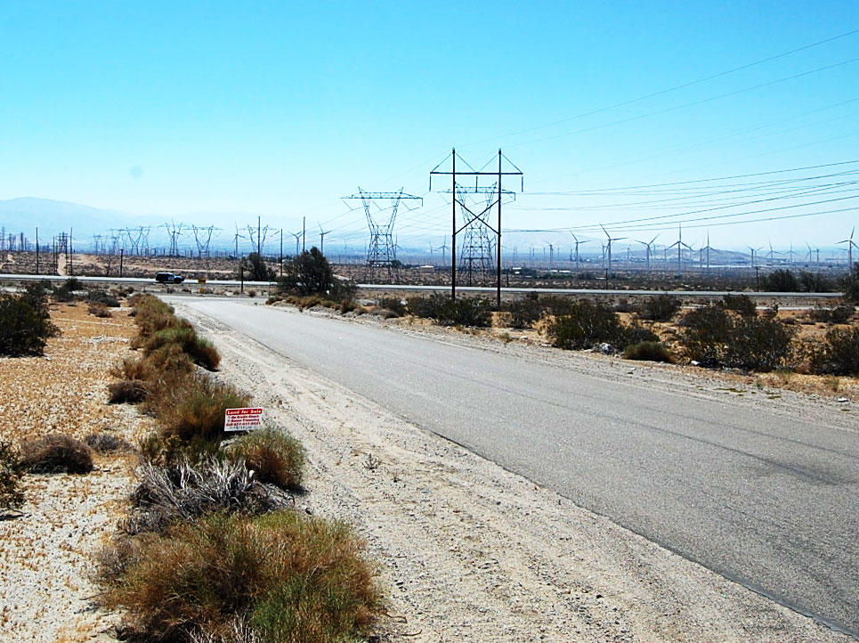 Southern California Acre Just Off Twentynine Palms Highway - Image 2