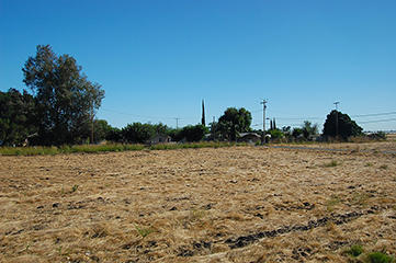 Commercial or Residential Lot in Small Town Seville - Image 5