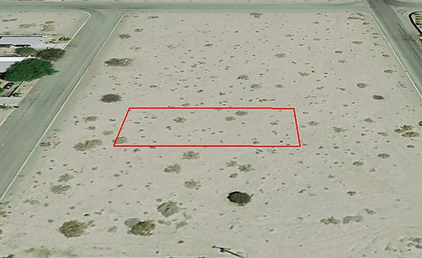 Neighborhood lot in Mecca Near the Salton Sea - Image 2