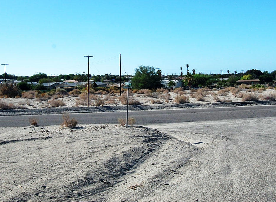 Prime Real Estate in Peaceful Desert Community - Image 2