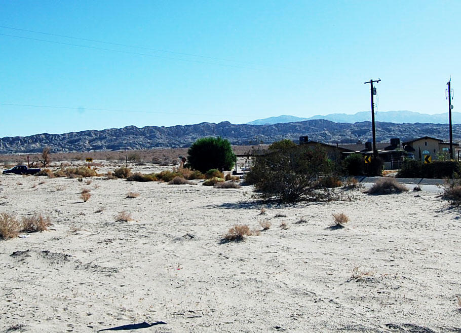 Prime Real Estate in Peaceful Desert Community - Image 4