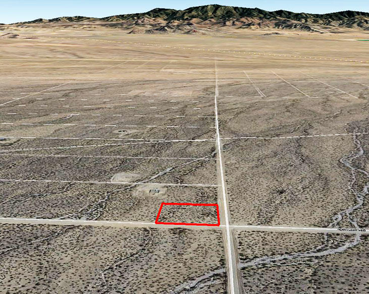 Nearly Two Acre Property Half an Hour from Kingman - Image 2