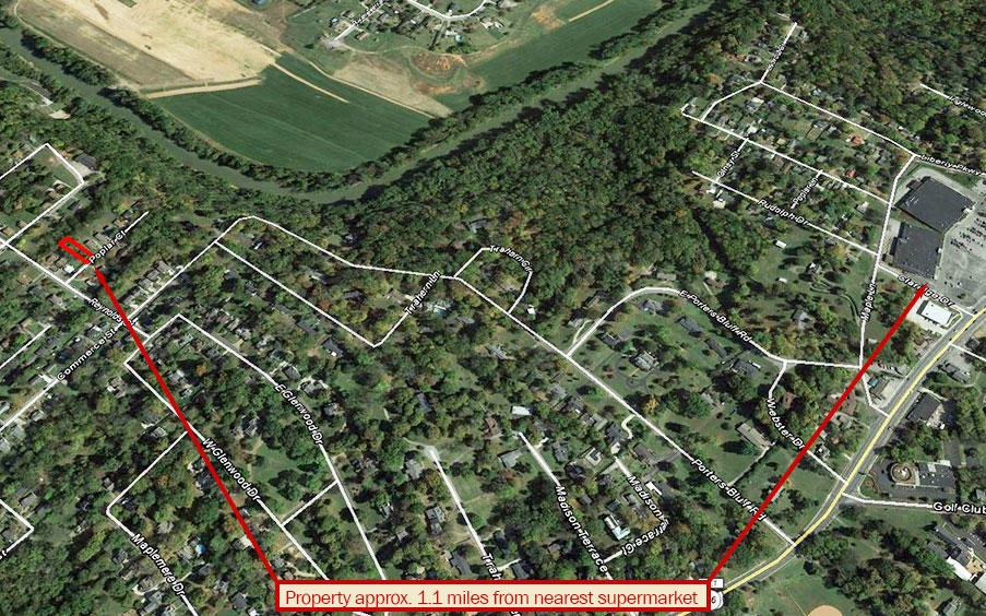 Nice Neighborhood Lot in Clarksville with Utilities Available - Image 4