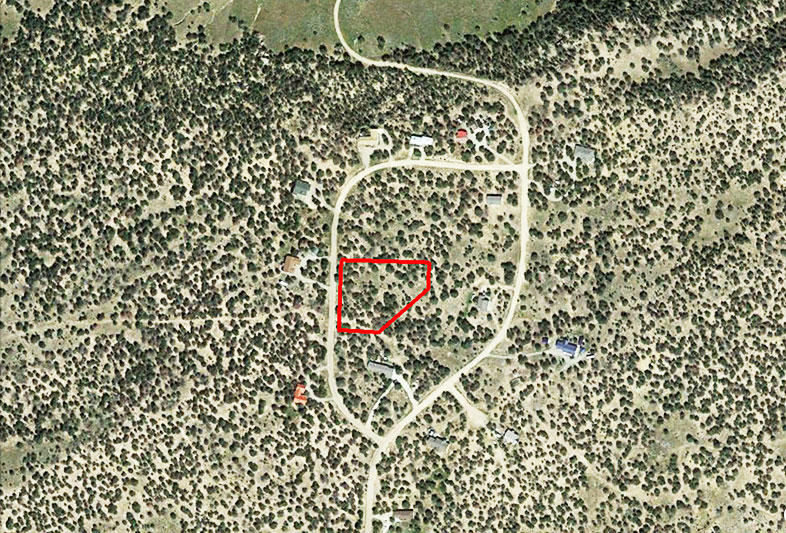 Nearly 2 Acres in Serene Mountain Town - Image 1