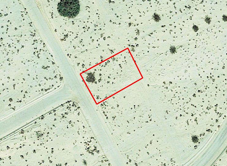 Explore This Quarter Acre California Parcel Ripe for Development - Image 2