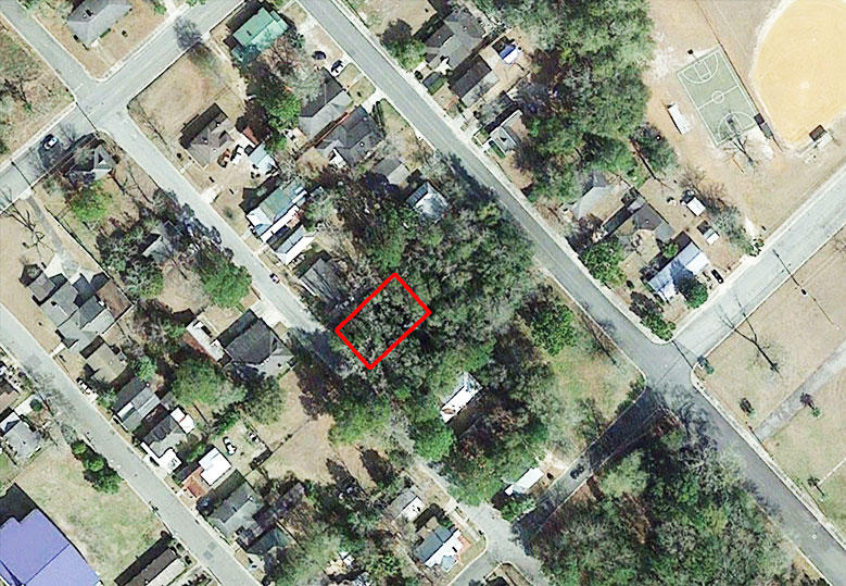 Treed Lot on Paved Road in Attractive Waycross Neighborhood - Image 1