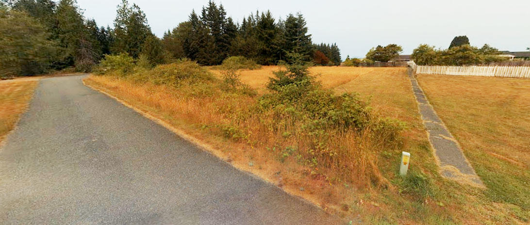 Nearly Half Acre on Famed Whidbey Island - Image 3